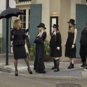 "Recensione | American Horror Story: Coven 3×01 ""Bitchcraft"""