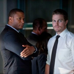 "Recensione | Arrow 2×01 ""City of Heroes"""