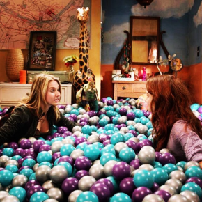"Recensione | Faking IT 2×05 ""Present Tense"""