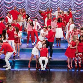 "Recensione | Glee 6×12 ""2009"" – 6×13 ""Dreams Come True"""