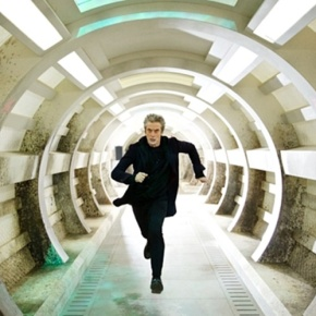 "Recensione | Doctor Who 9×03 ""Under The Lake"""