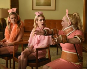 "Recensione | Scream Queens 2×04 ""Halloween Blues"" e 2×05 ""Chanel Pour Homme-Icide"""