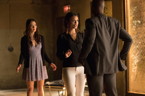 "The Vampire Diaries -- ""Detoured on Some Random Backwoods Path to Hell"" --Image Number: VD806B_0141.jpg -- Pictured (L-R): Kristen Gutoskie as Seline, Nathalie Kelley as Sybil and Wolé Parks as Cade -- Photo: Bob Mahoney/The CW -- © 2016 The CW Network, LLC. All rights reserved."