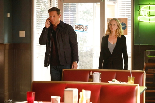 "The Vampire Diaries -- ""Detoured on Some Random Backwoods Path to Hell"" --Image Number: VD806A_0215.jpg -- Pictured (L-R): Matthew Davis as Alaric and Candice King as Caroline -- Photo: Bob Mahoney/The CW -- © 2016 The CW Network, LLC. All rights reserved."