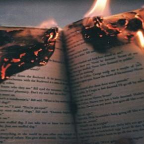 Parliamone | Quando l'amore brucia tra le pagine di unLibro