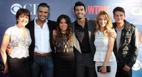 "News | La creatrice di ""Jane the Virgin"" parla del plot twist nel decimo episodio"