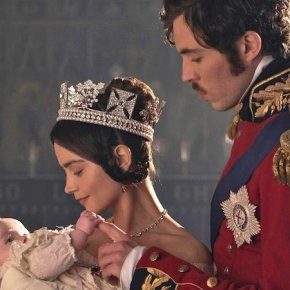 "Recensione | Victoria 2×01 ""A Soldier's Daughter"""