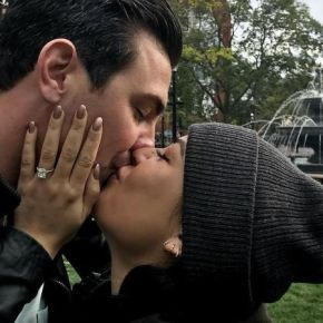 News  | Janel Parrish Si Sposa