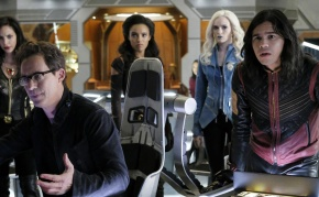 "Recensione | Legends Of Tomorrow 3×08 ""Crisis on Earth-X, Part 4"""