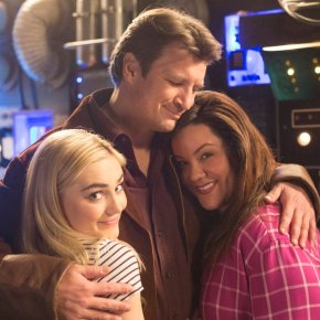 News | Nathan Fillion riprende il suo ruolo di Firefly come guest star in American Housewife