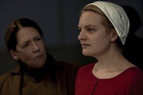 News | The Handmaid's Tale Rinnovato Per La TerzaStagione