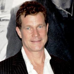News | Dylan Walsh si Unisce al Cast di Law & Order:SVU